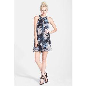Astr the Label Floral High-neck Shift Dress